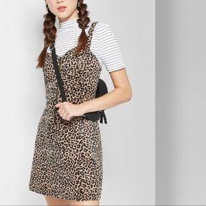 wild fable | corduroy cheetah jumper size M